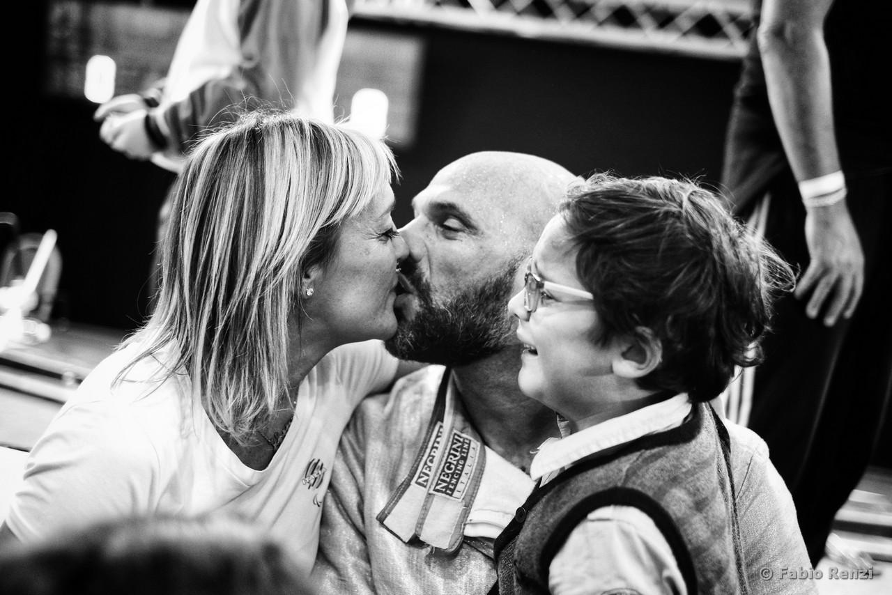 """""""L'amore dentro una vittoria ottenuta con grandi sacrifici è il piccolo che mi sussurrava all'orecchio: papà, torna a casa"""""""